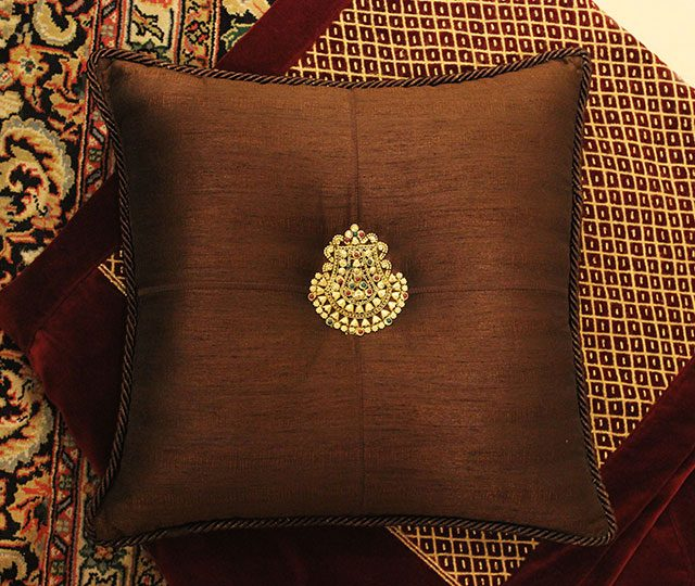 medallion-cushions