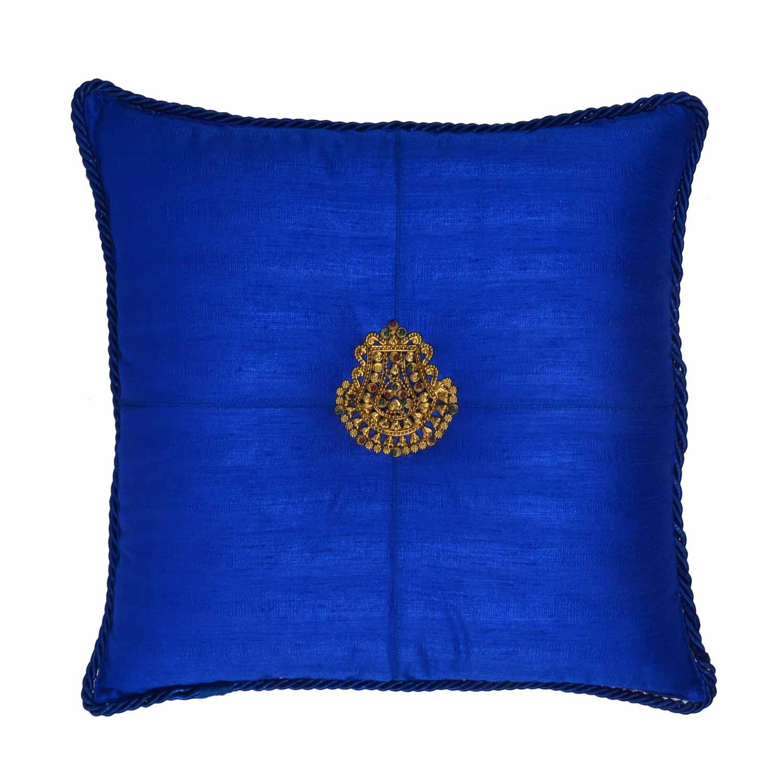 blue royal medallion cushion cover 18 18 ishatvam. Black Bedroom Furniture Sets. Home Design Ideas